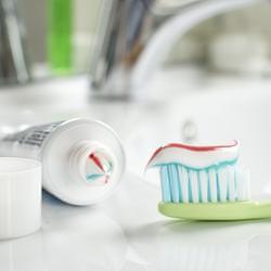 牙膏萬用清潔術 5大妙用意想不到